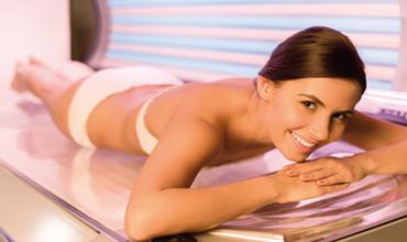 Gesund bräunen & Vitamin D tanken Gesund gebräunte Haut ist schöne Haut – Eine attraktive Haut ist für die meisten Menschen nach wie vor ein wichtiger Schönheitsideal. Sonne ist Leben – sie erhellt unsere Stimmung, lässt uns gesund & attraktiv aussehen.